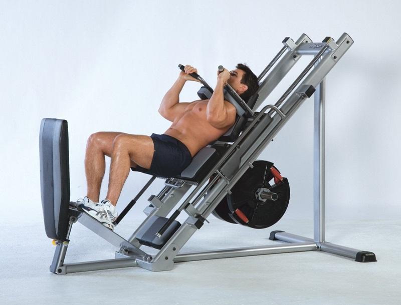 гак-упражнение на тренажере